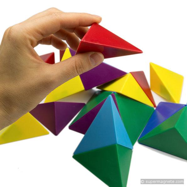 tangram w rfel aus 24 magnetischen tetraedern ferrit magnete. Black Bedroom Furniture Sets. Home Design Ideas