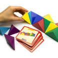 aus 24 magnetischen Tetraedern, mit 20 Vorlagekarten