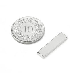 Q-20-05-02-HN, Parallélépipède magnétique 20 x 5 x 2 mm, néodyme, 44H, nickelé