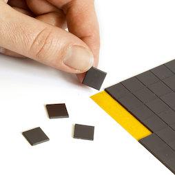 MS-TAKKI-03, Takkis 10 x 10 mm, selbstklebende Magnetplättchen, 160 Plättchen pro Bogen