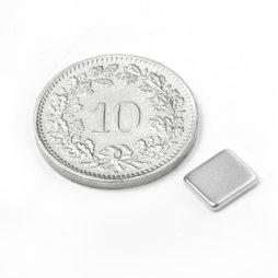 Q-07-06-1.2-N, Parallelepipedo magnetico 7 x 6 x 1.2 mm, neodimio, N50, nichelato