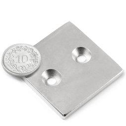 CS-Q-40-40-04-N, Parallélépipède magnétique 40 x 40 x 4 mm, avec trou de fixation biseauté, N35, nickelé
