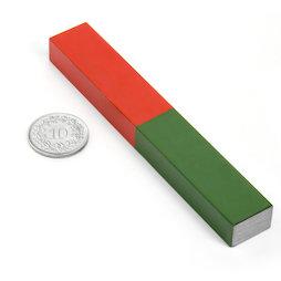 EDU-8, Staafmagneet rechthoekig lang, 100 x 15 mm, van AlNiCo5, rood-groen gemoffeld