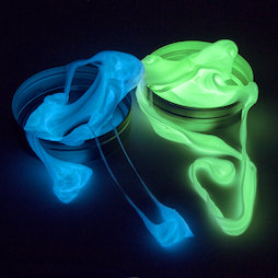 M-PUTTY-GLOW, Silly Putty Glow, glows in the dark, different colours, not magnetic!