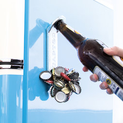 M-91, Ouvre-bouteille magnétique 'Captor', pour être fixé sur le frigo ou similaire, avec collecteur de capsules sur la partie avant