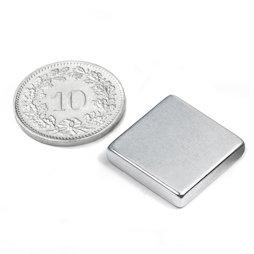 Q-18-18-04-Z, Blokmagneet 18 x 18 x 4 mm, neodymium, N45, verzinkt