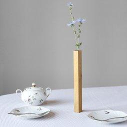 LIV-34, Magnetvase Eiche, Vase aus Eichenholz, haftet magnetisch auf Metallplatte, in Geschenkverpackung