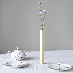 LIV-33, Magnetvase Ahorn, Vase aus Ahornholz, haftet magnetisch auf Metallplatte, in Geschenkverpackung