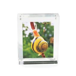 FRM-01, Bilderrahmen 11${dec}5 x 9 cm, mit Magnetverschluss, aus Acrylglas (durchsichtig), für Hoch- oder Querformat